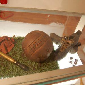 Pallone e scarpini primi del '900